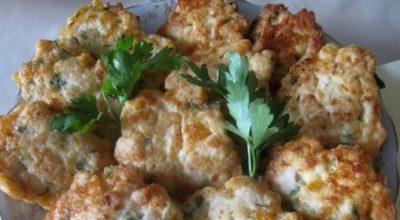 Фантастически вкусные куриные оладьи с сыром — пальчики оближешь!