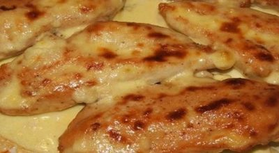 Куриная грудка запеченная в кефире — настоящая вкуснятина!