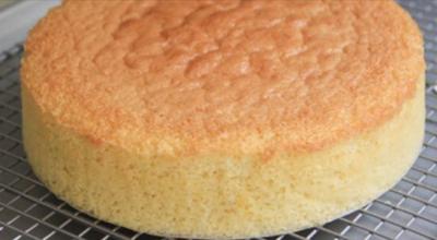 Суперпышный бисквит, который готовится без духовки