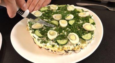 Вкусный праздничный салат «Курочка Ряба»