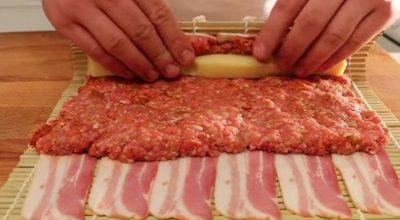Он завернул говядину и сыр в бекон. Результат — невероятно аппетитный!