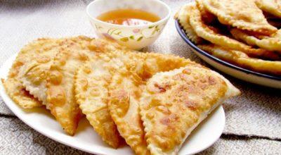 «Крымские» чебуреки, готовятся по особому рецепту
