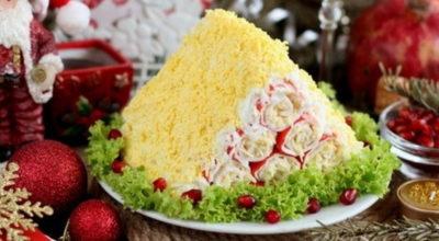 Непривычная «Монастырская изба». Праздничный торт из крабовых палочек