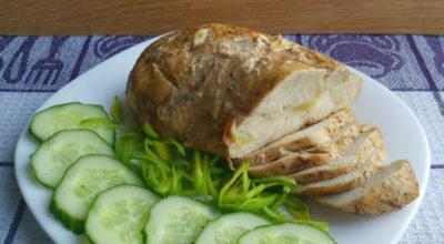 Ароматная буженина из куриной грудки: быстрая и полезная альтернатива магазинной колбасе