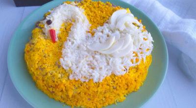 Салат «Белый лебедь» с курицей и грибами: пошаговый рецепт с фото