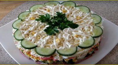 Слоеный салат «Новинка» – это просто, вкусно и быстро