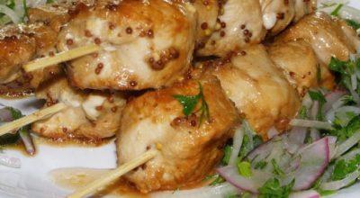 Сочный, нежный безумно вкусный шашлык из курицы, приготовленный в духовке