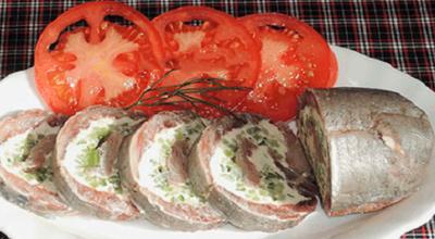 Вкусный рулет из селедочки: быстро и легко приготовить