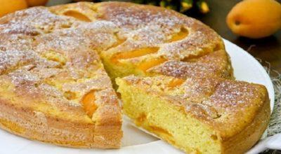 Удивительно нежный и вкусный пирог с абрикосами