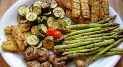 Секрет мангальщика: всего 10 минут в этом маринаде подарят овощам-гриль необыкновенный вкус
