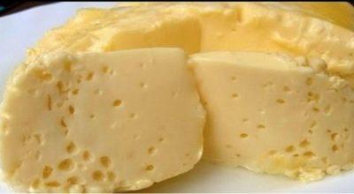 Вареный омлет в пакете, по — вкусу напоминает сливочный сыр