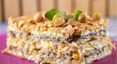 Замечательный закусочный торт «Наполеон» с курицей и грибами