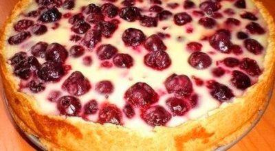 Заливной пирог с ягодами. Oчень прост в приготовлении и бесподобный на вкус