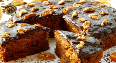 Чайный пирог с грецкими орехами и сухофруктами