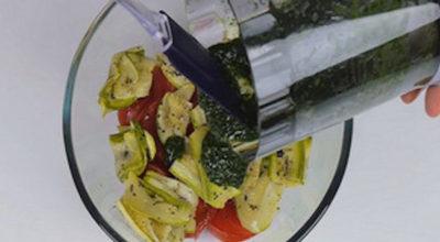 Вот как нужно готовить салат с кабачками… Эта заправка свела меня с ума