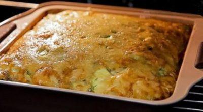 Запеканка из молодых кабачков с сыром и зеленью. Съедается моментально