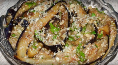 Невероятно вкусные баклажаны с орехами – готовы сразу