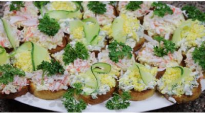 Ароматные чесночные гренки: и быстрый перекус, и шикарное украшение праздничного стола