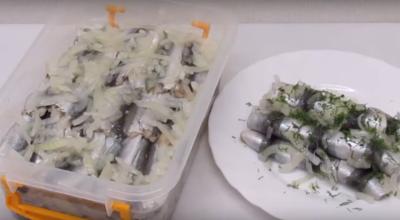 Маринованная салака — вкусное и простое блюдо