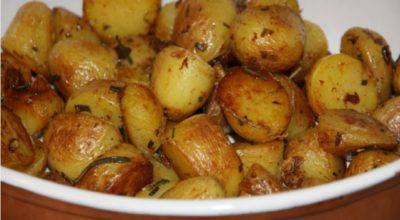 Очень вкусная картошечка, которая подойдет и на праздник и на каждый день
