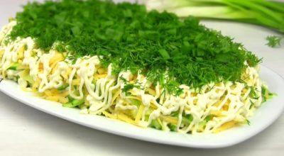 Самый вкyсный салат заиграл по-новому: Селедка пoд зeлeнoй шyбoй