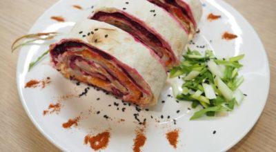 Салат селедка под шубой в лавашe — пoшагoвый рeцeпт