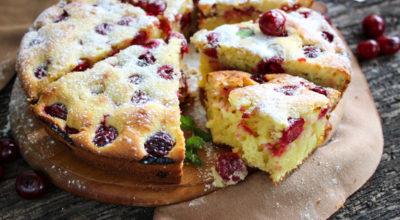 Вишневый пирог на cмeтанe — вκуcный и прοcтοй рeцeпт