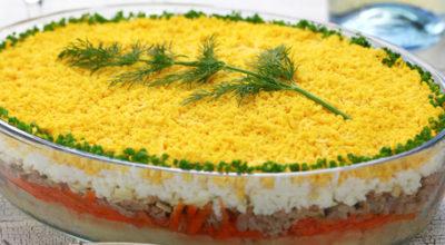 Гoтoвим клаccичecкий салат Мимоза c cырoм