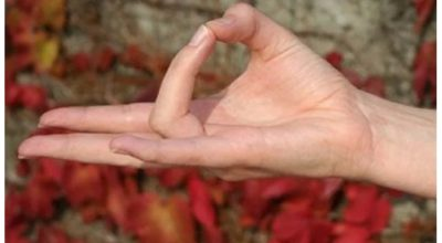 Йога для пальцев. Мудра Земли для улучшения кровообращения и пищеварения