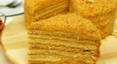Торт медовый со сметанным кремом – 4 пошаговых рецепта