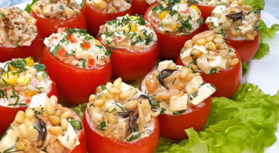 Вкусная закуска на праздник: 3 рецепта фаршированных помидор