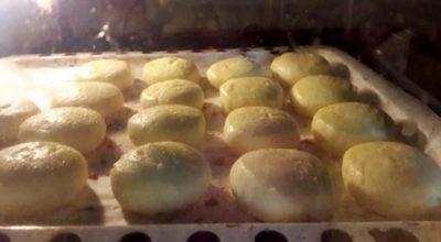 Как приготовить пышные сырники в домашних условиях