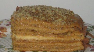 Медовый торт со сгущенным молоком