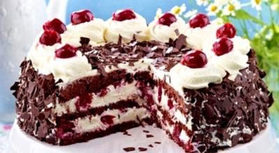 Невероятно вкусный торт с вишней и взбитыми сливками