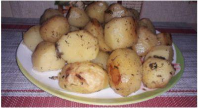 Нежный французский картофель в соусе пальчики оближешь