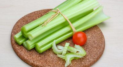 Салат из сельдерея: 10 разнообразных способов приготовления