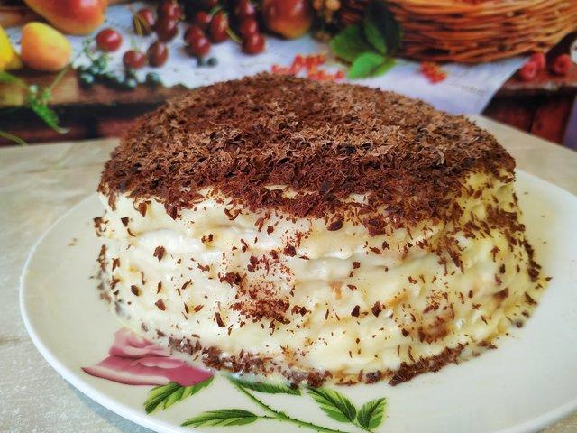 Фото к рецепту: Блинный торт с заварным кремом