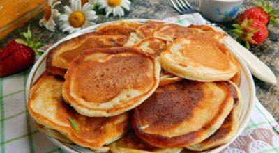 Оладьи на кефире — идеальный вариант для завтрака