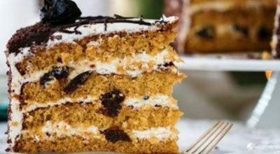 Рецепт моей бабули: Сочный Торт Медовый с черносливом