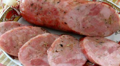 Вареная колбаса своими руками: сплошная польза