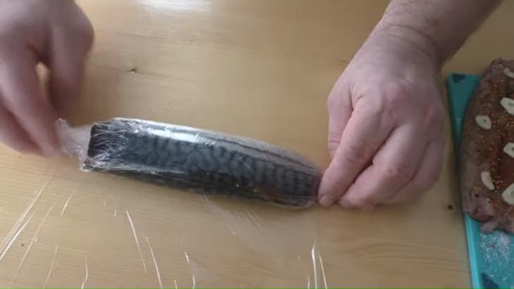 Закуска из замороженной скумбрии