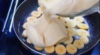Хоть с яблоками, хоть с бананами. На сковороде – мягкий, воздушный пирог – тесто с одним яйцом