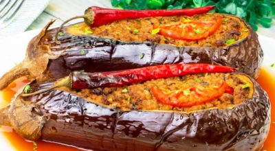 Популярный рецепт среди гурманов. Фаршированные баклажаны в духовке – объедение