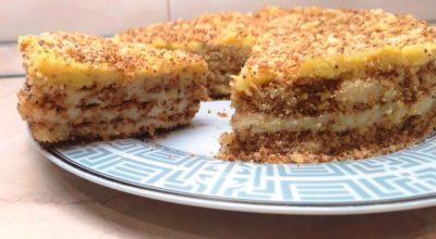 Вкусный и быстрый торт, почти из ничего. Восхищает своей нежностью