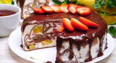Блинный шоколадный торт, с фруктово – ягодной начинкой