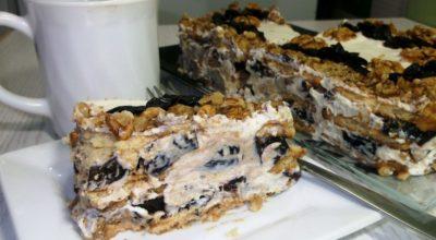 Изысканный торт без выпечки с черносливом и орехами