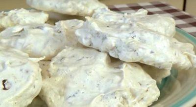 «Забытое» печенье. Хрустящее безе, орехи и шоколад