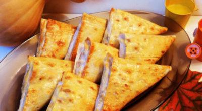 Закусочные уголки из лаваша: начинка тебя приятно удивит. Идеальное сочетание ингредиентов…