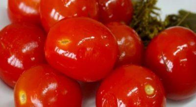 Кисло-острые, с пузырьками внутри: мочёные помидоры