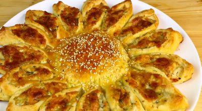 Изумительный пирог-солнце с сырной начинкой: праздничная выпечка